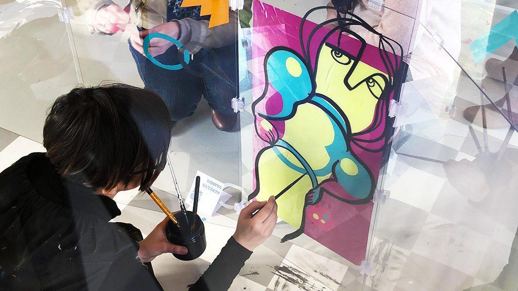 anaystof est la société de l'artiste ana qui assure du live painting fresque sous forme de serious play