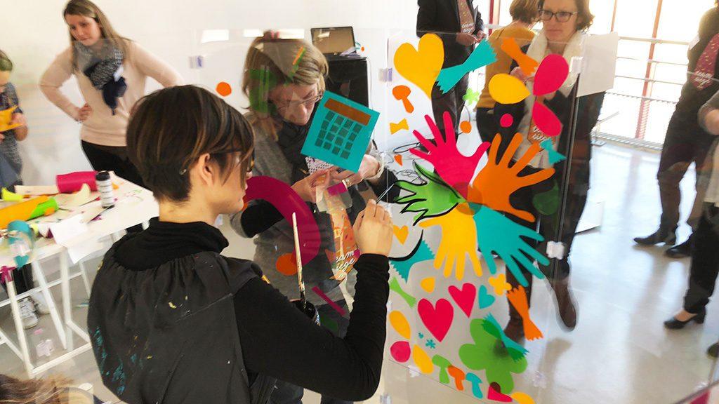 aNa crée une fresque séminaire team building serious play en direct en entreprise ou sélminaire