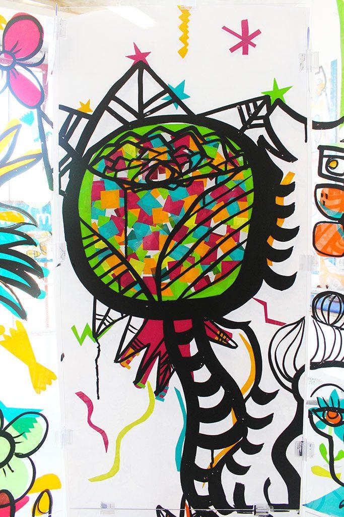 œuvre réalisée par l'artiste aNa suivant son protocole play art lors de team building fresque serious play