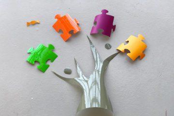 exemple de découpage de formes puzzle réalisée lors d'un atelier fresque serious play myartbox