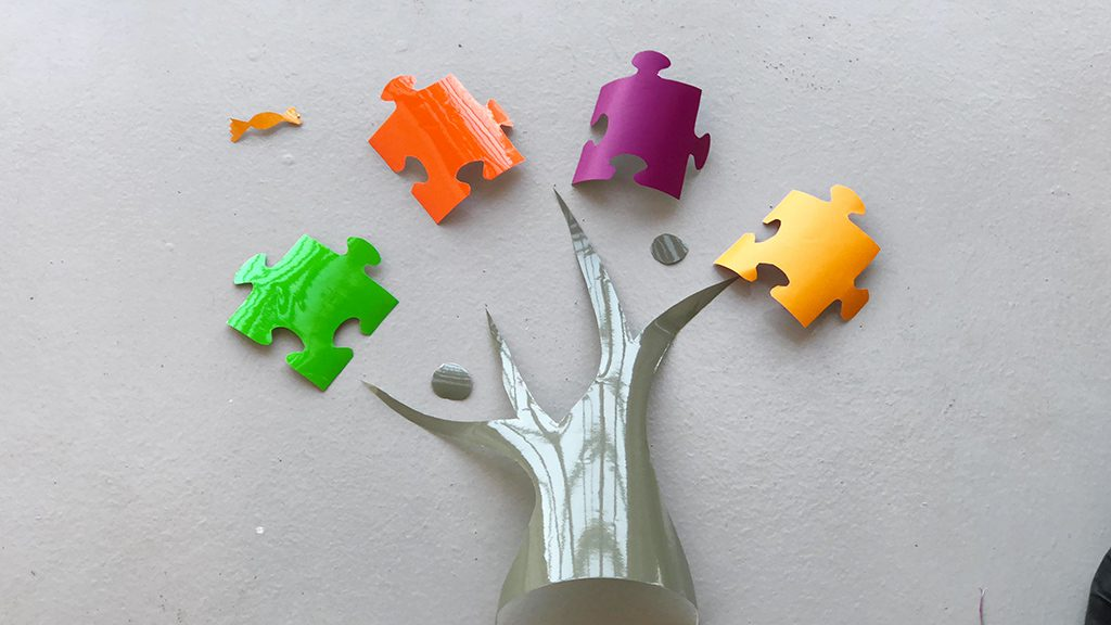 Fresque Serious play - exemple de découpage de formes puzzle réalisée lors d'un atelier fresque serious play myartbox