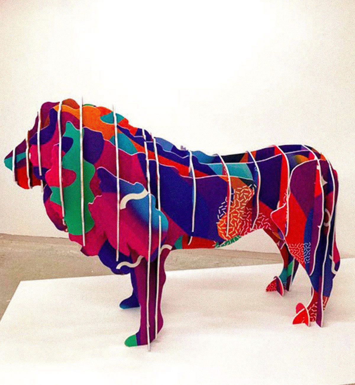 Sculpture de Lion coloré de profil pour matériel d'animation cohésion et team building sculpture