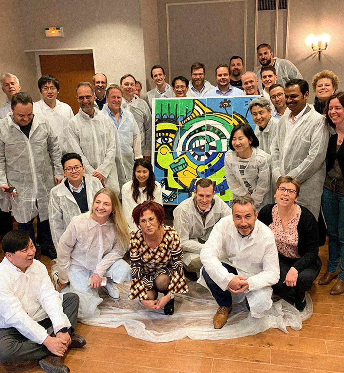 groupe de collaborateur final de la fresque puzzle peinture