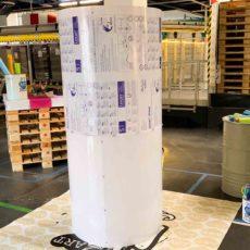 Tube néon géant aNa My Art Box format Fresque Participative pour animation Graffiti Anniversaire à Saint Vulbas près de lyon pour les 20 ans de la société BioMerieux